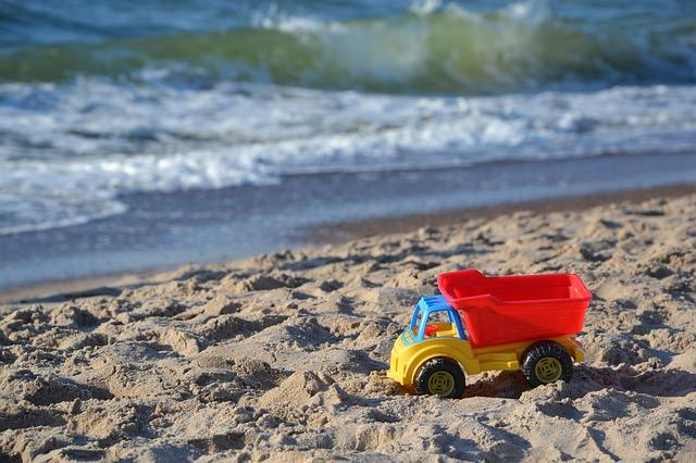 toy-car-418254_640