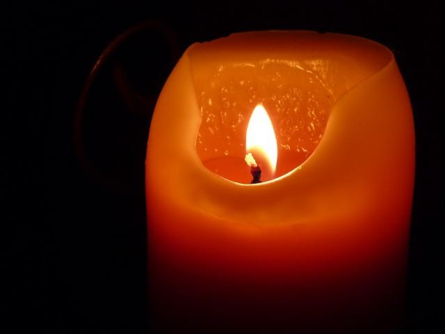 candle-197248_640